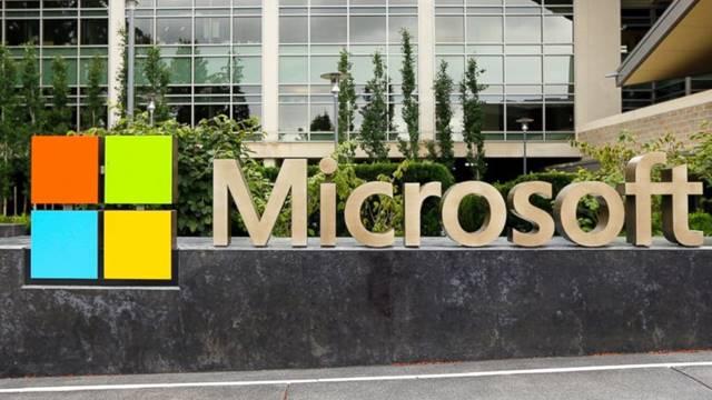 Microsoft Markalı Bir Akıllı Telefon Ekranı Görüntülendi